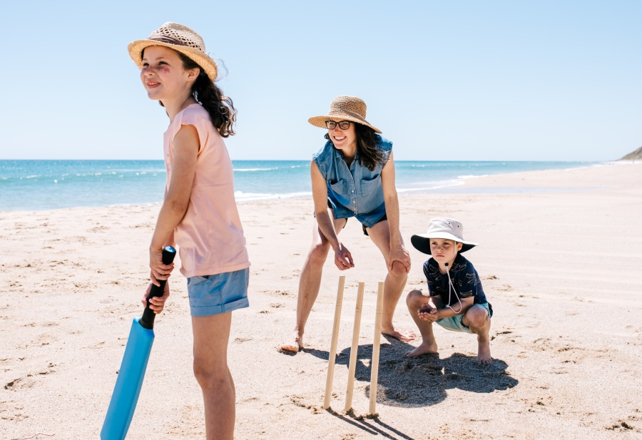 Aussie Beach Cricket Rules for Summer Holiday Fun